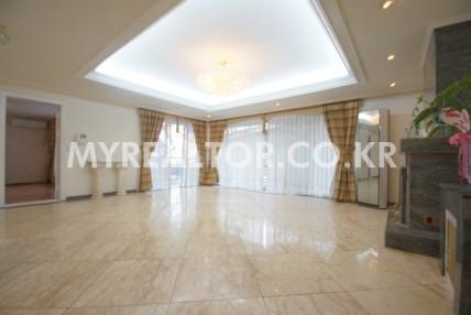 유엔빌리지 – 테라스가 있는 복층형의 고급빌라 매매