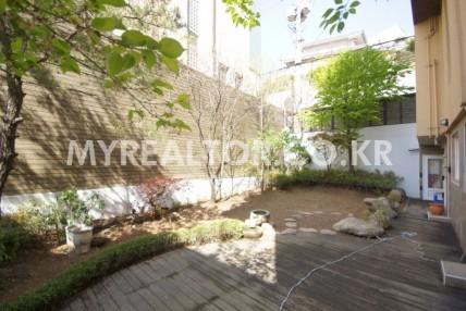 유엔빌리지 – 아름다운 정원이 있는 고급빌라 렌트
