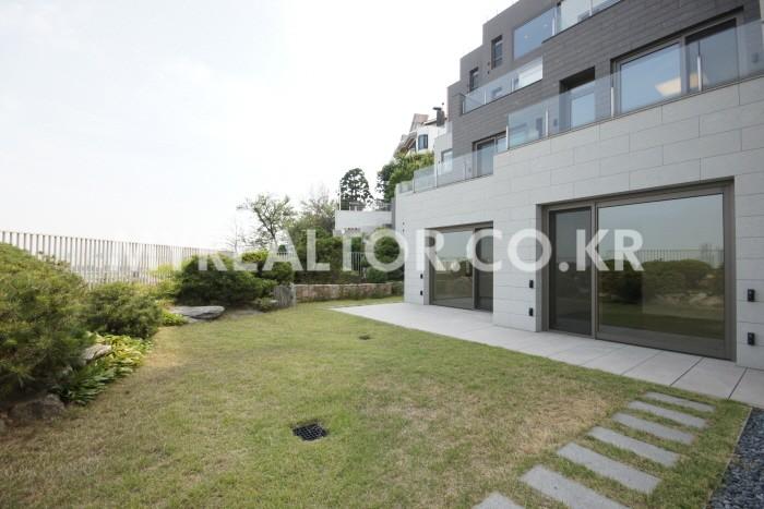 유엔빌리지-라테라스한남 1층단독정원 세대