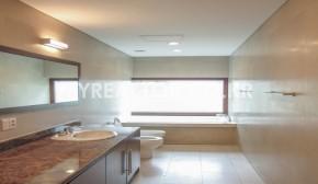 a1F MASTER BATH ROOM